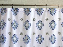 casablanca moroccan style white quatrefoil print shower curtain