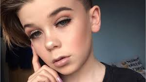 boys wearing makeup on insram are more por than ever