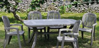 plastic garden chairs and table