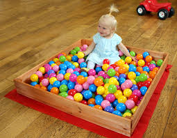 ball pit. junior wooden sand or ball pit with cover, indoor/outdoor: amazon.co.uk: toys \u0026 games
