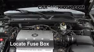 replace a fuse 2000 2005 cadillac deville 2004 cadillac deville replace a fuse 2000 2005 cadillac deville 2004 cadillac deville dts 4 6l v8