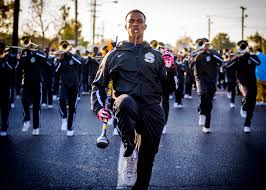 photo essay homecoming southern s human jukebox  southern university ing band drum major keith morgan center leads the band down scenic