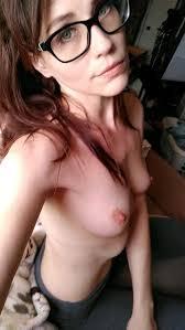 Naked Nerdy Girls