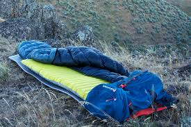 Gear Review: Meet the Quilt, a Lighweight Sleeping Bag Alternative ... & Katabatic Gear Palisade quilt; Photograph ... Adamdwight.com