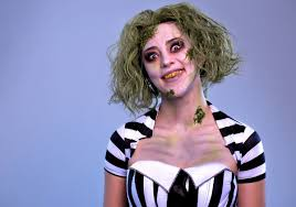 this beetlejuice makeup tutorial will have you looking like the ghost with the most s t co 1thkpotb4d s t co 4yo5q58