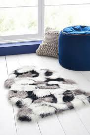 mono faux sheepskin rug