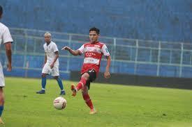 Syahrian abimanyu (born 25 april 1999) is an indonesian professional footballer who plays as a midfielder for malaysian club johor darul ta'zim, and the indonesia national team. Syahrian Abimanyu Bangga Berseragam Madura United Kabar Madura