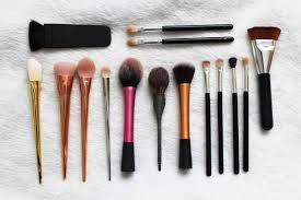 for those of you who follow my or know me you ll know that i m very stingy when it es to makeup brushes and i only ever use ebay brushes i know