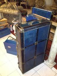 diy steamer trunk bar
