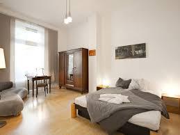 Große Altbauwohnung Mit Bis Zu 5 Schlafräumen 2 Eingängen Und 3