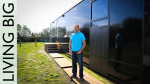 Small House On Wheels Small Passive House On Wheels Designed To Withstand Earthquakes