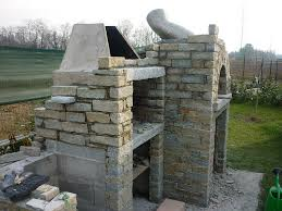 Barbecue Da Esterno In Pietra : Realizzazioni edili rivestimenti in pietre e sassi zona novara