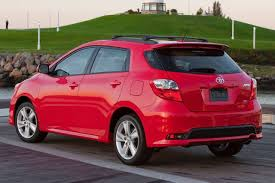 Toyota Matrix Review & Ratings: Design, Features, Performance ...
