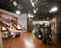 set dresser what goes on behind the scenes at qvc qcommunity