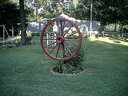wheel garden chic wagon wheel decor garden wagon wheel garden ideas waggon wheel garden bench wheel garden