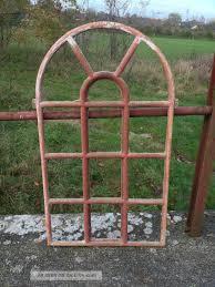 Antikes Stallfenster Aus Gusseisen Oben Rund Mit Tür 89cm X 51cm