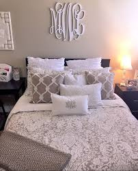 25 Best College Apartment Bedrooms Ideas On Pinterest Apartment for Cute  Apartment Bedroom Ideas