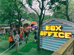 edinburgh fringe festival box office. The Box Office In George Square Gardens During Edinburgh Festival © Ludovic Farine / Fringe