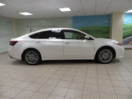 Used 2016 Toyota Avalon Limited 4 Door Car in Calgary, AB 171500A