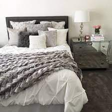 bedroom ideas with white comforter