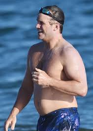 Hollywood Hunk Chris Pratt Shows Off His Dad Bod As He