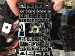burnt wire to fuse box wiring diagram libraries burnt wire to fuse box wiring diagrams u2022diagnosing and repairing catastrophic electrical issues rh vehicleservicepros