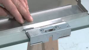 vitro on 10 mm glass door with brackets installation
