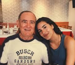Renato Aragão, pai ciumento assumido, brinca sobre namoro da filha: 'Joguei  a toalha. O cara é legal' | tv