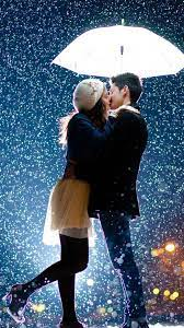 Couple Kissing Raining Umbrella 4K ...