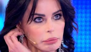 Ufficiale: Nina Moric ha denunciato Luigi Favoloso