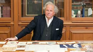 graydon carter longtime editor of vanity fair is leaving the at the end of the year after 25 years at its helm