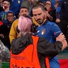 EM 2021: Ordnerin erkennt Italien-Star Bonucci nicht - und lässt ihn nicht  aufs Feld