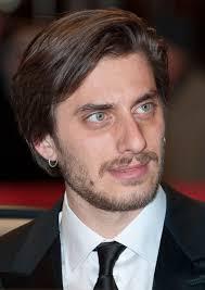 Luca Marinelli - Wikipedia
