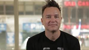 PS5 e i videogiochi per aiutare contro il male più grande: Mark Hoppus dei  Blink 182 lotta contro il cancro • Eurogamer.it