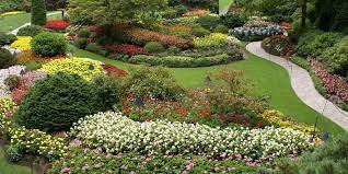 a guide to visiting butchart gardens on