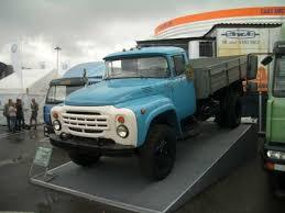 Авто зил ремонт Поначалу грузоподъемность этого автомобиля составляла 4 тонны но поскольку он обладал большим запасом прочности уже в 1965 году ее увеличили до 5 тонн