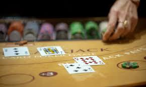 Online Casino: 5 beginner tips for winning at online blackjack
