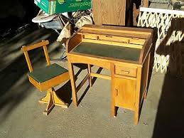 1900 1950 desk with leather top vatican