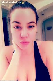 new look kardashian s nose seemed diffe when she went makeup free for this snapchat