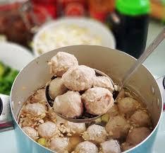 Tak hanya kenyal padat dan elastis resep bakso ayam juga banyak disukai karena bertekstur lembut. Cara Membuat Bakso Sapi Sendiri Dan Kuah Bakso Gurih