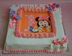 diy minnie mouse birthday cake