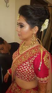 chandni singh is one of the best south delhi based bridal makeup artist she is