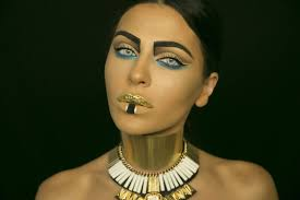 women wearing cleopatra makeup