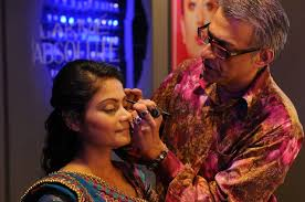a few essential tips by the top b town makeup artists for your bridal makeup
