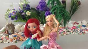 Elsa and Anna toys on road CANDY SURPRISE TOYS Hello Kitty xxx.