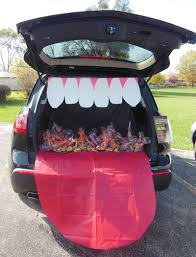 Mouth and tongue car  Trunk or Treat decorating ideas