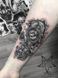компас с якорем татуировка на руке сделать тату у мастера вики