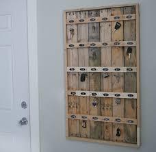 Reclaimed Wood Pallet Hotel Key Rack