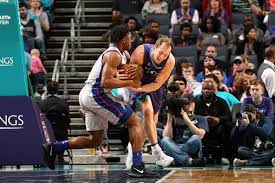 stung repeatedly by Hornets, lose 114-98