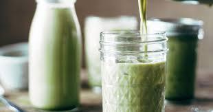 Iced <b>Matcha Green Tea</b> Latte Recipe - Pinch of Yum